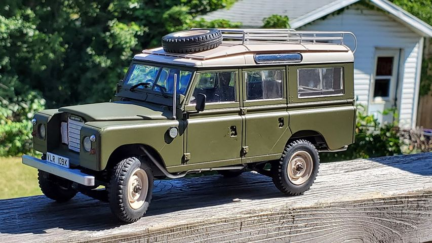 Range Rover Series III - Revell-Monogram 1/24 - James Craig