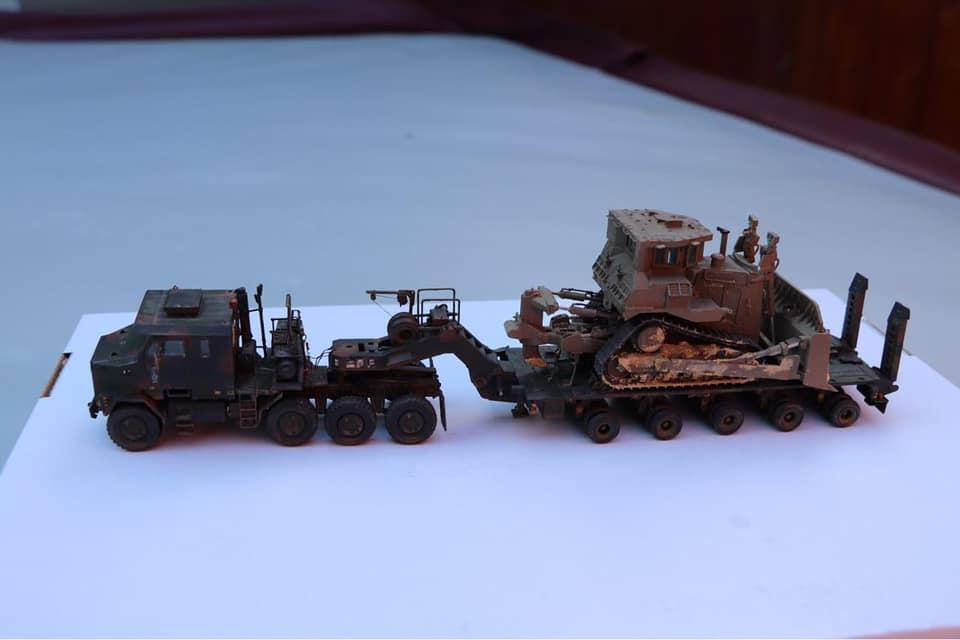 M1070 and M1000 W/D9R Bulldozer - Takom 1/72 - Gordon Ireland